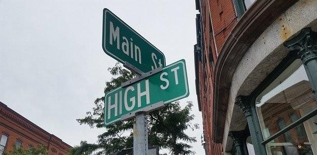 Main street High Street signs
